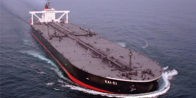Por importaciones, la crisis de Oil y la recesión, sobra petróleo local