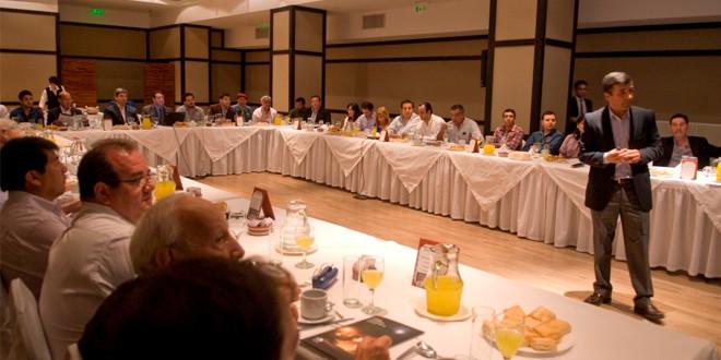 Mesa de diálogo sobre el Informe de Sostenibilidad 2015