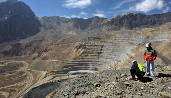 San Juan le hará juicio a una minera chilena