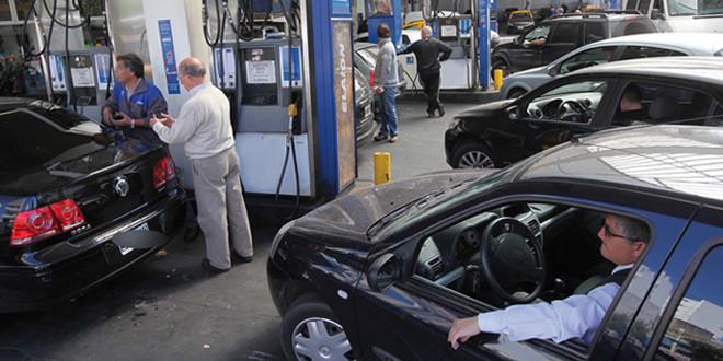 Por primera vez en dos décadas, el consumo de nafta supera al de gasoil