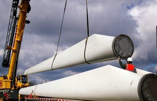 El gobierno extiende el plazo para la firma de 14 contratos de energías renovables