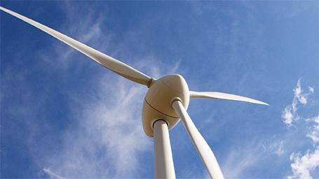 Piden instalar plantas de armado de generadores para energía eólica en la Patagonia.