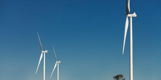 Crece el consenso para una ley que permita a usuarios abastecer de energía renovable a la red eléctrica