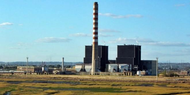 Pampa Energía instaló uno de los seis motores diésel a la Central Térmica Piedra Buena