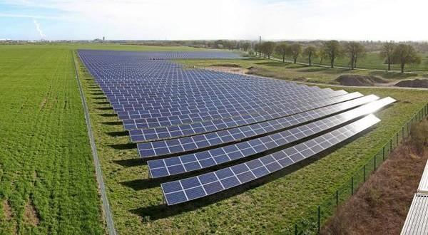 Seis parques solares adjudicados por el plan Provincial comienzan a operar en julio