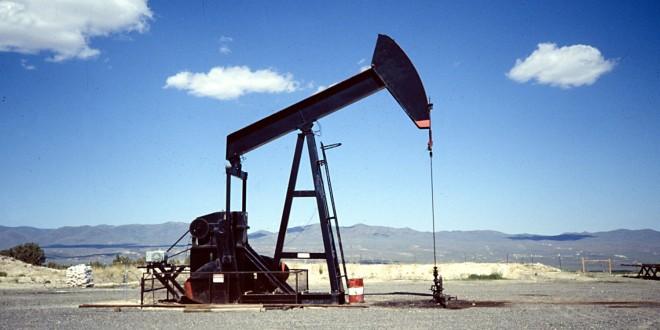Cae  un 15% la producción de petróleo en la Argentina durante Abril.