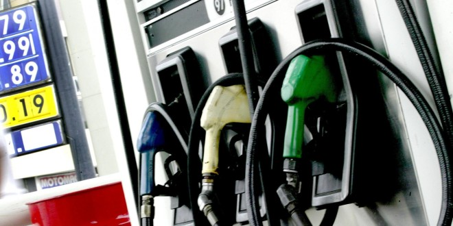 El Gobierno espera que las naftas no aumenten en octubre