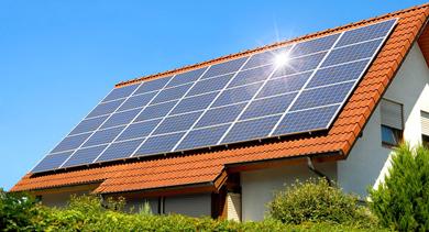 Instalan paneles solares de generación eléctrica en casas particulares en Corrientes