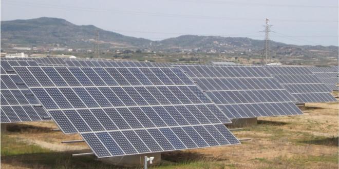 """Fallo judicial que paraliza parque solar en La Rioja """"pone en riesgo el fomento a las energías renovables"""", según la adjudicataria"""