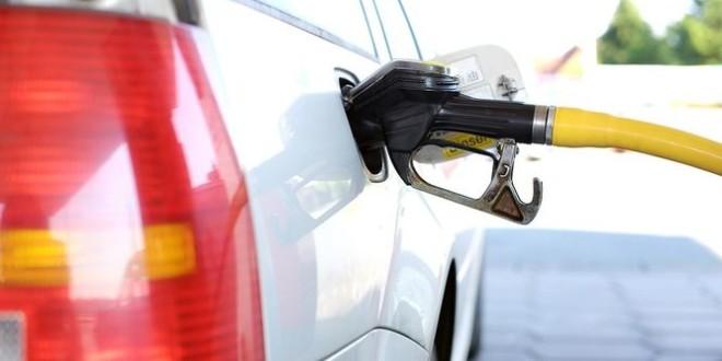 Tres petroleras incrementaron el precio de los combustibles 10% al mercado mayorista