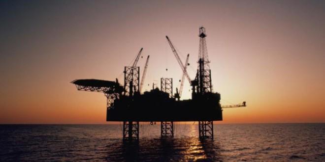 El petróleo avanza por encima de los u$s 60 y toca máximos de 2015