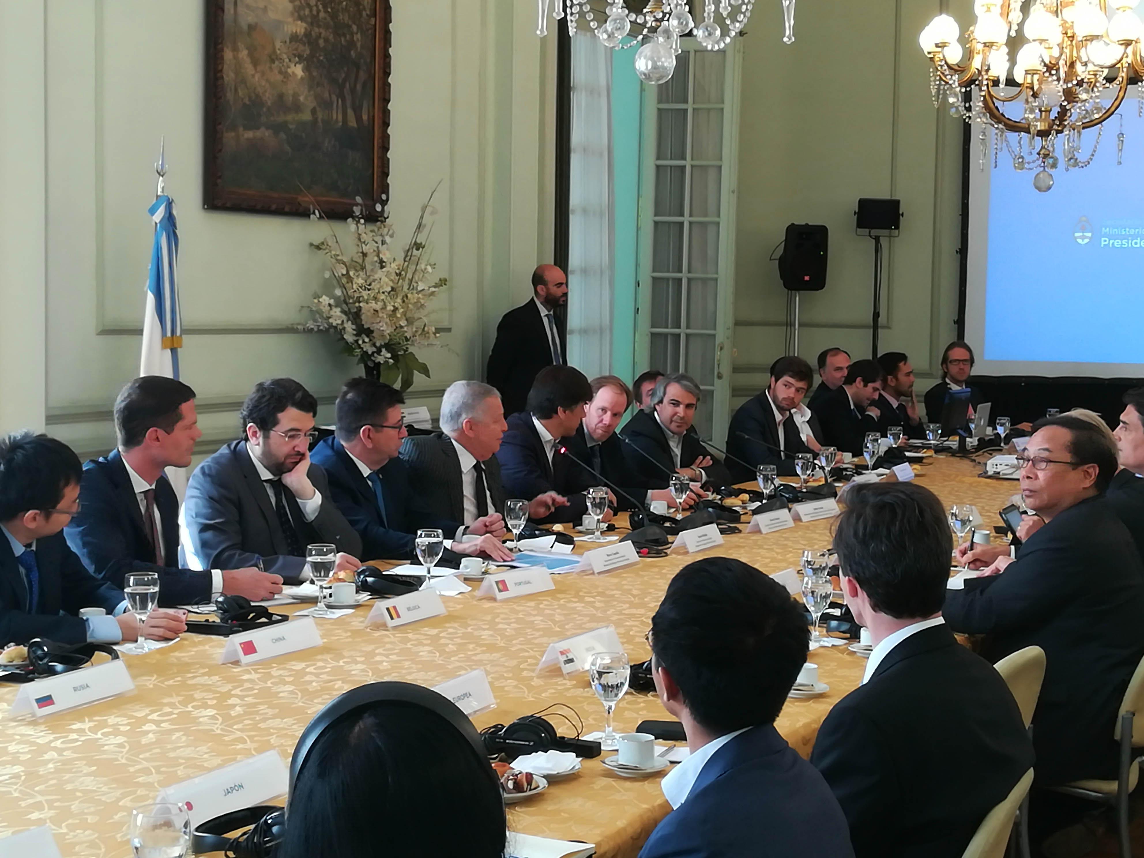 La secretaria de mineria presentó oportunidades de inversión ante 35 embajadores