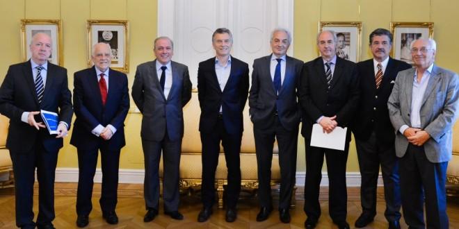 Ex secretarios de Energía destacaron logros de los últimos 2 años y plantearon desafíos pendientes
